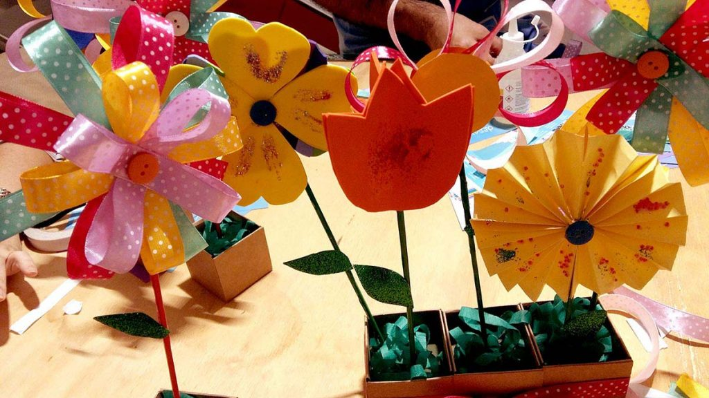 oficina de primavera flores de fita