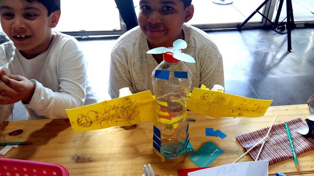 brinquedos recicláveis avião