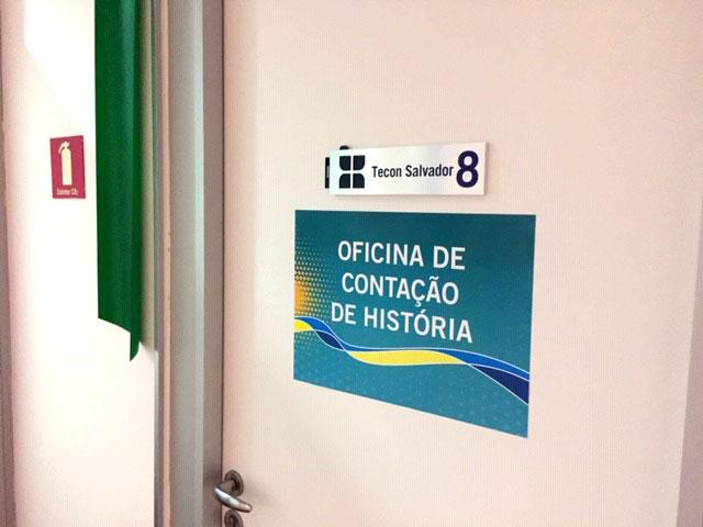 placa oficina de histórias